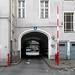 Urbanstraße 122-123, Hofseite, Ein-/Ausfahrt (heute Ausfahrt)