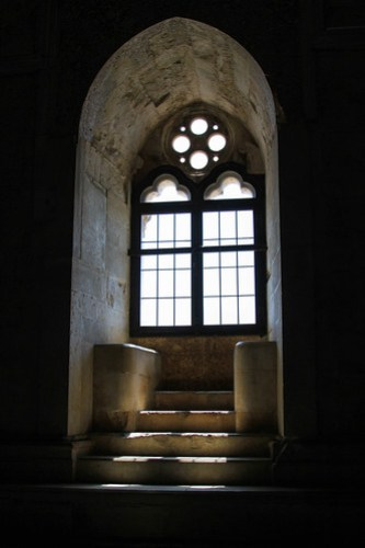 Ornate window in Castel del Monte, Puglia