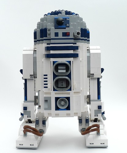 10225 R2-D2 Front