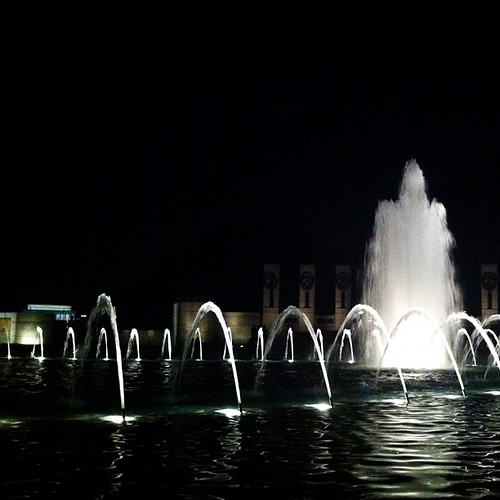 366: the WWII memorial is awfully pretty at night.