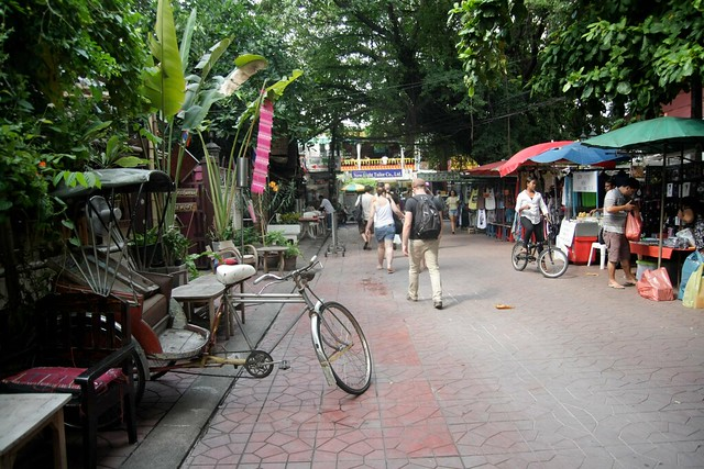 shared streets in action in bangkok