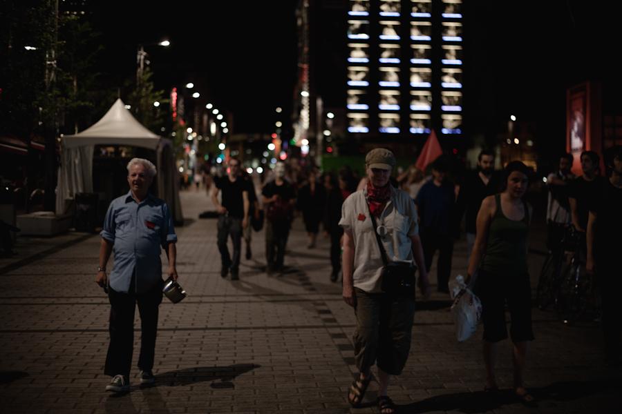 76e manifestation nocturne! Manif chaque soir, jusqu'à la victoire! [photos Thien V]