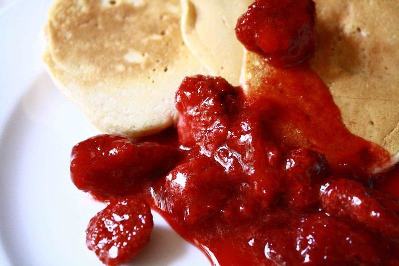 Strawberry compote pancakes