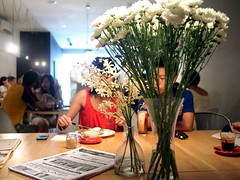 Flowers on Communal Table, The Plain cafe, 50 Craig Road, Tanjong Pagar