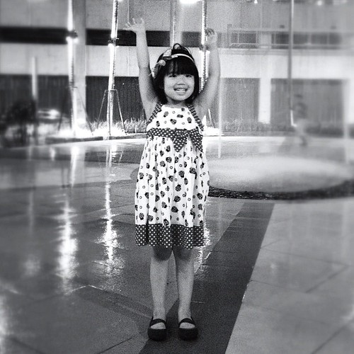 Sachi-la! #iphone4s #iphoneonly #iphoneography #blackandwhite #monochrome