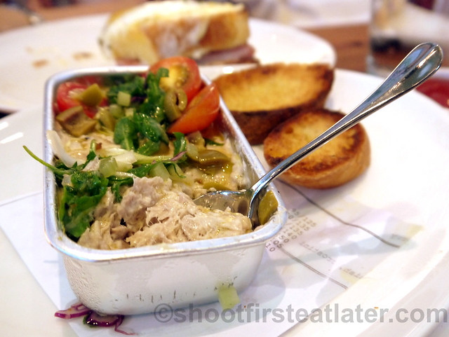 Wildflour Cafe + Bakery- olive oil poached tuna salad P280-001