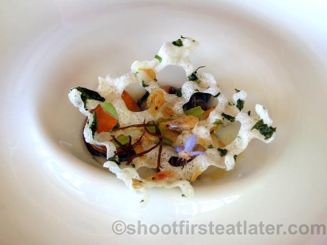 Akelare's Aranori menu -mollusks in fisherman's net