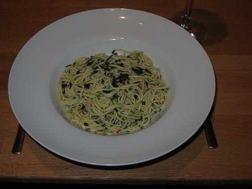 Spaghetti con aglio, olio, peperoncino e prezzemolo