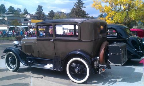 9-23-12 CO21 - Estes Park Beer, Brats & Bands - Antique Car