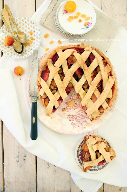 Frolla con pesche e mirabelle - Pie with peach and plum