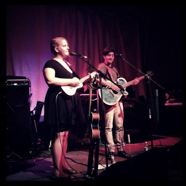 .@julianunes performs at #xoxofest