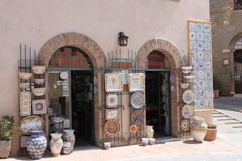 20120814_5609_Deruta-ceramics-shop