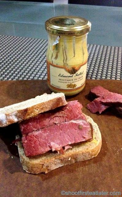 Deli San Honore- fresh corned beef-001