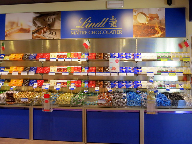 Lindt Outlet at The Mall, Florence-002