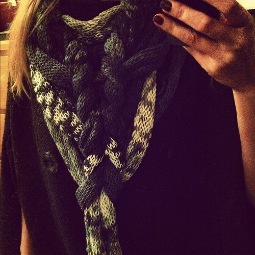 Went out wearing a scarf, came home wearing a completely different scarf. Soooooo beautyful! Thanks @alexanderkirchner ❤