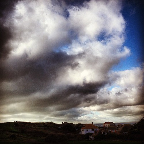 #igers #igersuk #instahub #instapic #instagold #instagood #instalove #instamood #instagramers #instapicture #pictureoftheday #pictureoftheweek #bestoftheweek #bestoftheweek #followme #capture #composition #beautiful #amazing #today #seaford #clouds #cloud