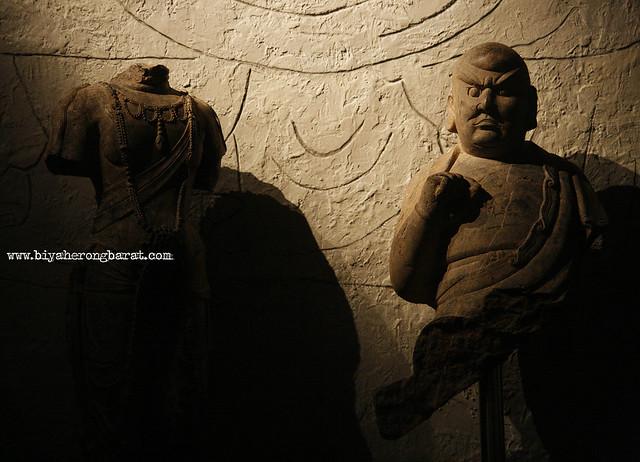 Budhha statues in Asian Civilisations Museum