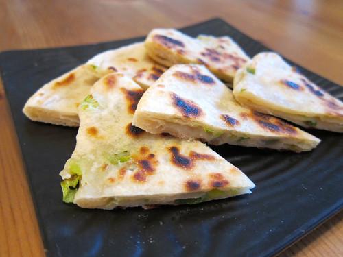 Chinese Green Onion Pancake (蔥油餅)