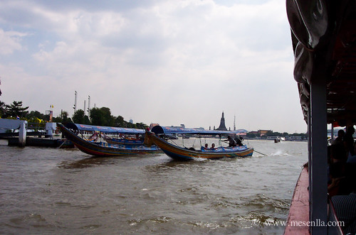 Navegant pel riu a Bangkok