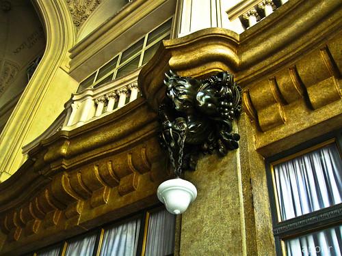 Palacio Barolo lamp holder