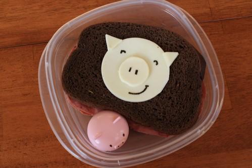 Bento 13 (2 little piggies)