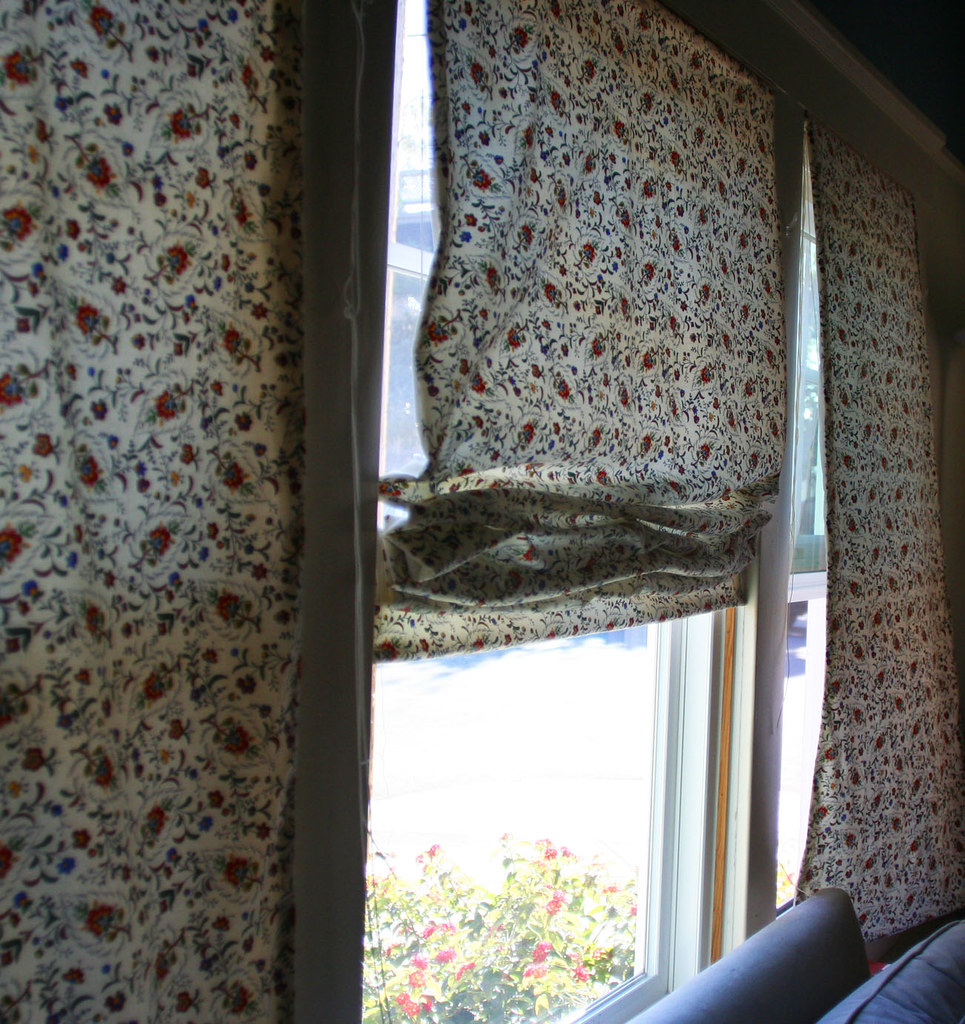 roman blind living room