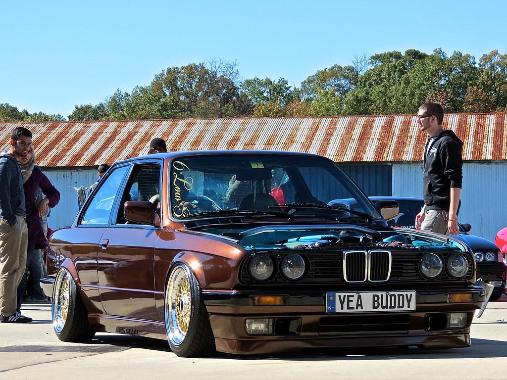 Slammed BMW E30