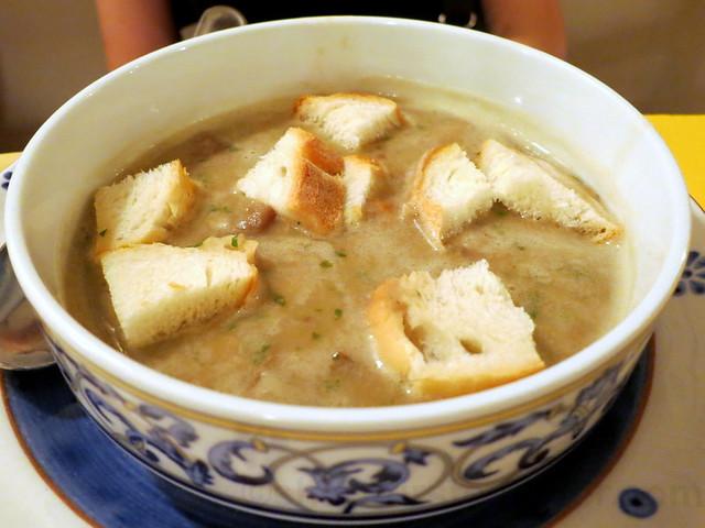 passato di ceci e funghi (chickpeas & mushroom soup) €9