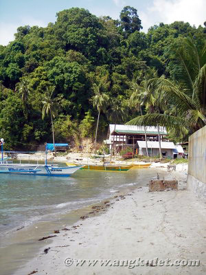 In front of Lally & Abet Beach Cottages, El Nido, Palawan (2006)