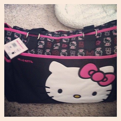 Started packing the baby E's diaper bag!! #HelloKitty #baby #pregnancy