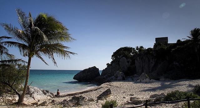 Playa dentro de las ruinas de Tulum, Yucatán , México