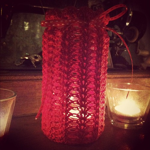 I love making these! Such a quick and cute project #crochet #jarcover #jar #red