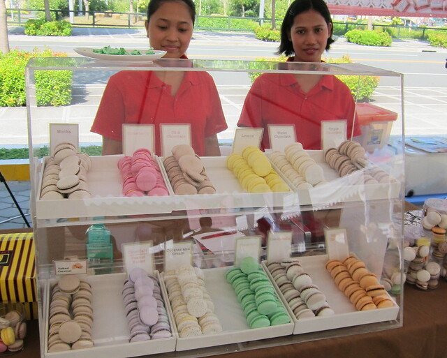 Macarons @ Morning Mercato