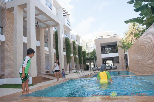 Swimming in Boracay-2.jpg