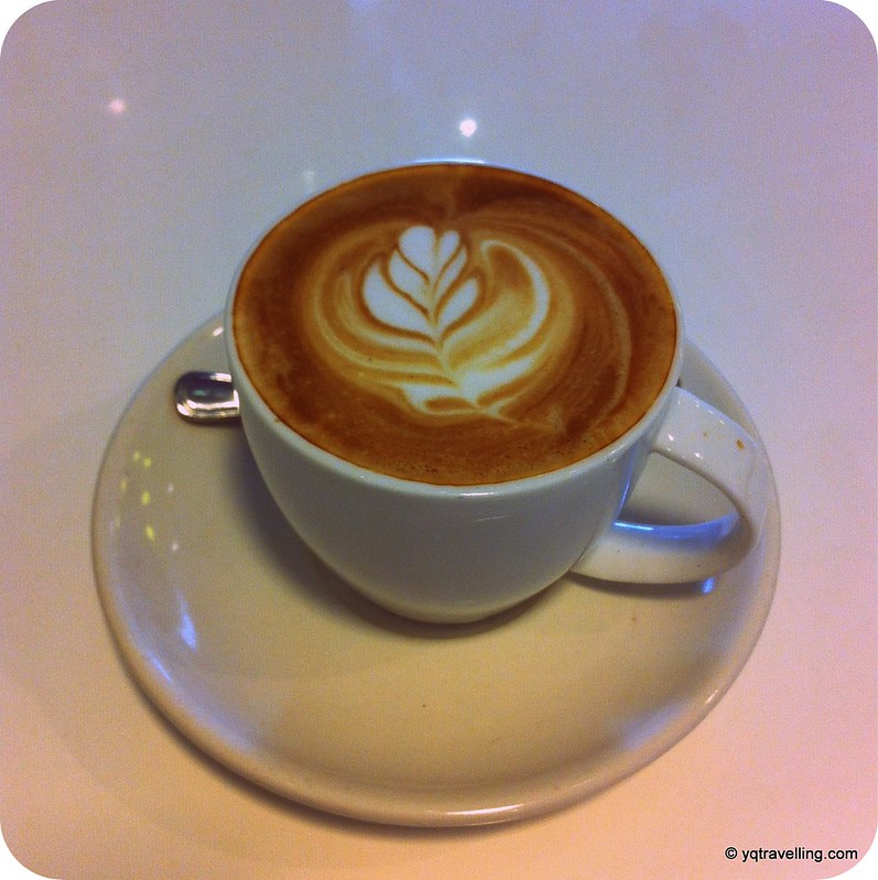 Drips Cafe caffe latte