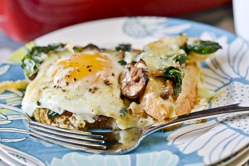Mushroom-Spinach Baked Eggs 2