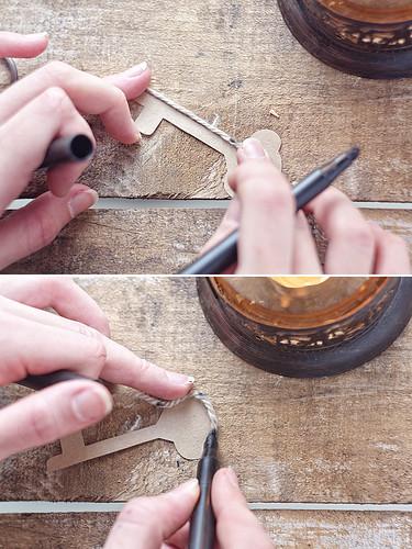Les bords des moules peuvent également être en cuivre avec une agrafeuse, une colle ou une bande de peinture.