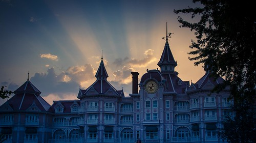 Dark Disney : Mickey Goes to Sleep (Disneyland, Paris) - Photo : Gilderic