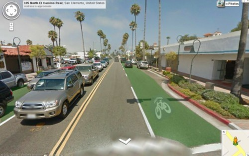 Green traffic lane on El Camino Real?