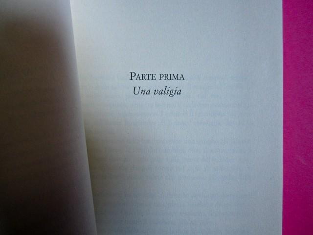Eduardo Savarese, Non passare per il sangue. edizioni e/o 2012. Grafica di Emanuele Gragnisco; illustrazione di Luca Laurenti. Pagina 9 (part.), 1