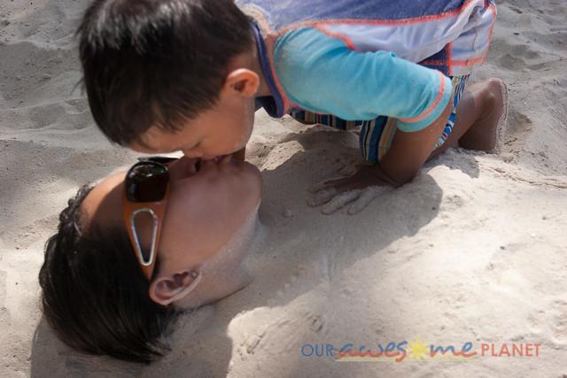 Swimming in Boracay-38.jpg