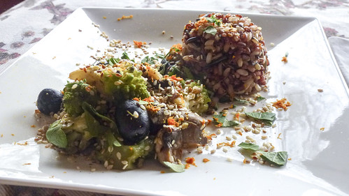 Rice with kale, mushroom and olives - Riso selvatico con broccolo, funghi e olive