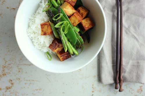 Teriyaki tofu w/ asparagus + snowpeas