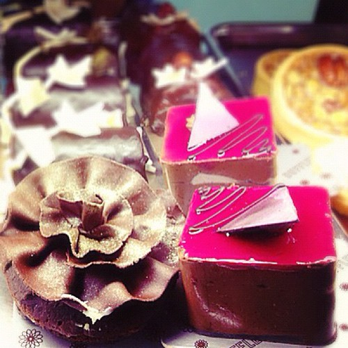 I didn't get these, as I was there for the cake slices...but super pretty~ #dufflet #cake