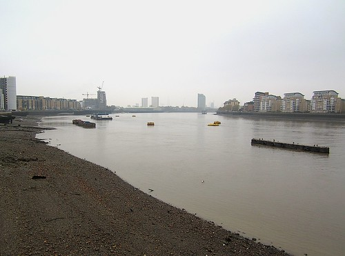 London wakes up: the Thames in Greenwich
