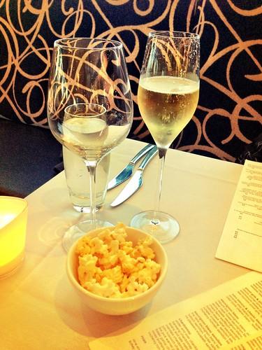 Champagne & popcorn @ Blu Grill
