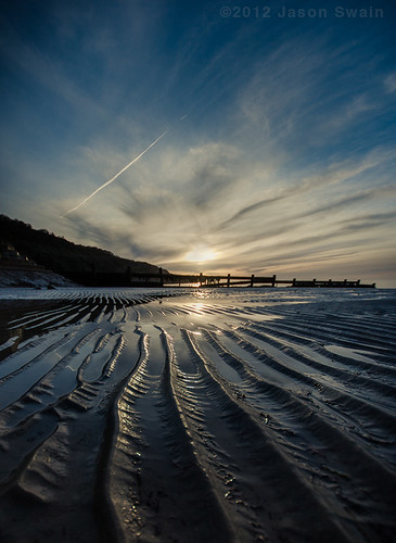 Low tide leading lines at Totland Bay