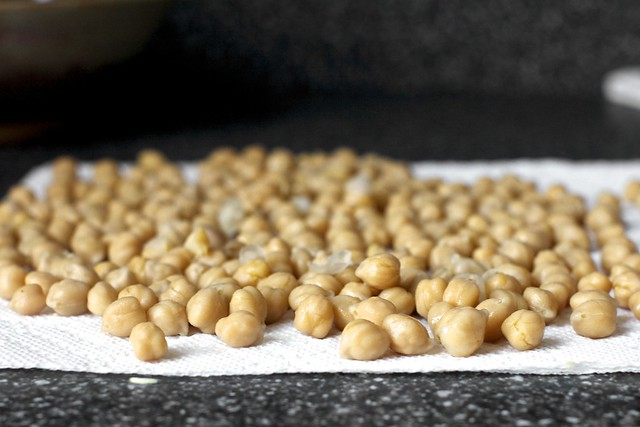 rancho gordo chickpeas, patting dry