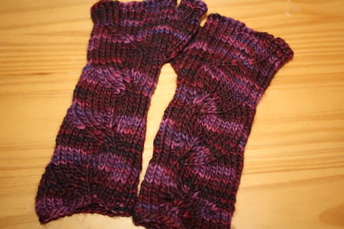 Three Leaf Armwarmers