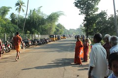 Poompuhar-Kallanai State highway at Thiruvisainallur